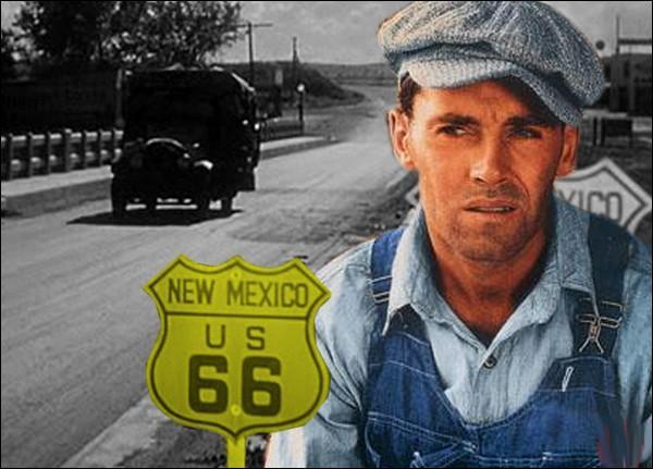 Expropriée de ses terres, une famille de fermiers traverse les Etats-Unis à la recherche d'un emploi. Mais dans ces années de crise, ils ne rencontrent que spoliation et injustice...
