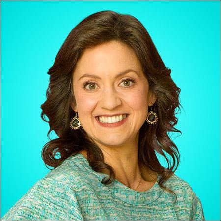 Comment s'appelle l'actrice qui joue le rôle de Karen Rooney ?