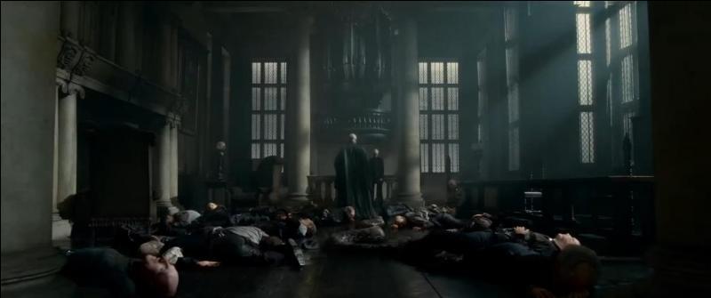 Dans combien de films de la saga  Harry Potter  le manoir des Malefoy, situé dans le comté de Wiltshire en Angleterre et donc utilisé par Lord Voldemort comme quartier général pour ses opérations, a-t-il été porté à l'écran ?