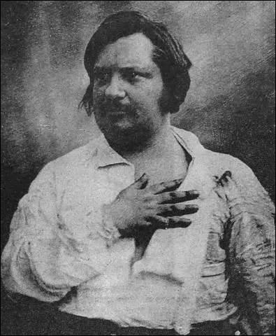 Personnage de la Comédie humaine d'Honoré de Balzac (1799-1850), je nais en 1791 et suis issue d'une famille de la meilleure noblesse de Paris. Épousant à 18 ans un homme avare, duc, commandant dès l'année suivante une division militaire. Je cache derrière des dehors frivoles et capricieux, une volonté de fer qui me conduit en 1823 à une mort tragique. Je me nomme :