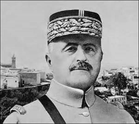 Général de division, nommé maréchal de France en 1921, je nais en 1856 à Mostaganem (Algérie). Rejetant le corps allemand de la Garde en août 1914 à la bataille des frontières (Aisne), je me vois confier en septembre le commandement de la Vème Armée. Commandant en chef des alliés à Salonique en juin 1918, j'obtiens la capitulation de l'armée germano-bulgare. Décédé en 1942, je suis :