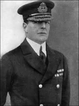 Vicomte, baron puis comte, je nais en Angleterre le 17 janvier 1871. Officier de marine, je commande en 1915 la Bataille de Dogger Bank, puis participe à la bataille du Jutland en 1916. Recevant le 21 novembre 1918 la reddition officielle de la flotte allemande, nommé Amiral dans la foulée le 3 avril 1919, je décède à Londres le 11 mars 1936, je m'appelle :