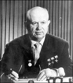 12 octobre : le président soviétique Nikita Khrouchtchev, à l'Assemblée générale de l'ONU, va protester en raison de la discussion sur la politique de l'Union soviétique à l'égard de l'Europe de l'Est. Que va-t-il faire ?