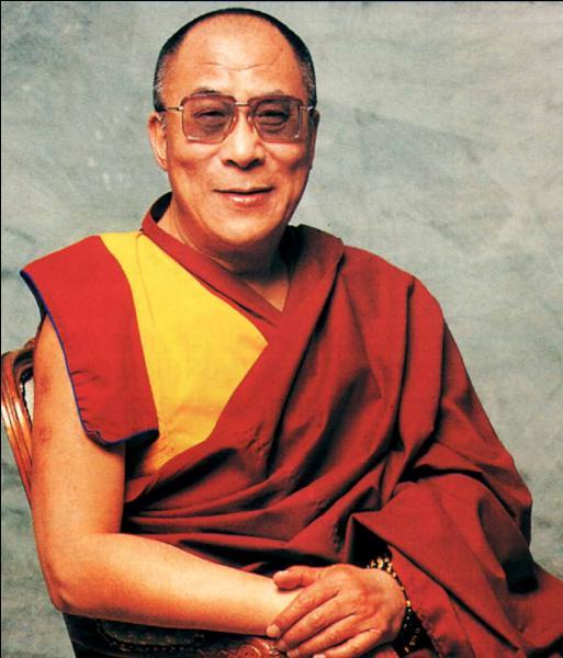 Toujours en mai, le dalaï-lama transfère le gouvernement tibétain, en exil, dans un autre pays. Lequel ?