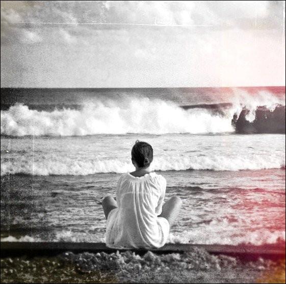 Qui chantait   Laissons la plage aux romantiques, allez viens veux-tu m'épouser  ?