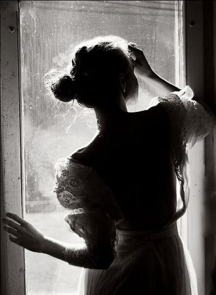 Complétez cette vieille chanson d'Alain Delorme :  Romantique avec toi ... .