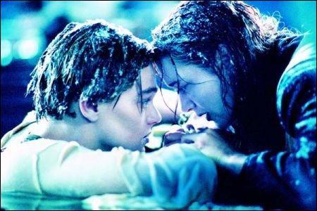 A la fin du film, pourquoi Jack ne monte pas sur la planche avec Rose ?
