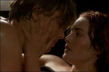 Dans le film, à quel endroit du bateau Jack et Rose font l'amour ?