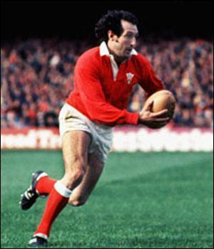 Pierre Albaladejo , célèbre rugbyman puis commentateur au délicieux accent chantant, est-il encore parmi nous (28 mars 2014) ?