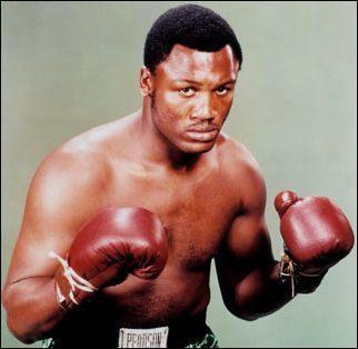 Joe Frazier , le boxeur qui battit Mohammed Ali, est-il encore en vie (28 mars 2014) ?