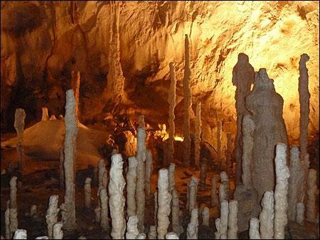Calcaire de grottes !
