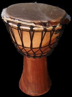 Afrique de l'ouest : peau de chèvre tendue sur un fût de bois dur !