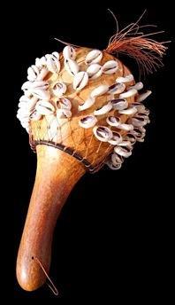Madagascar : calebasse et filet de coquillages !