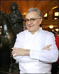 Il tint le Meurice à Paris et aussi le Louix XV à Monaco, quel est ce grand chef ?