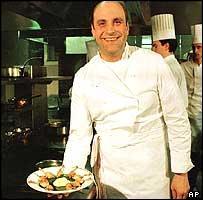 Suite à son décès en 2003, sa femme Dominique aidée de son chef Patrick Bertron ont continué à perpétuer la notoriété de son restaurant de Saulieu en Côte d'Or, qui était ce chef prestigieux ?