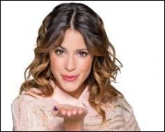 Dans quelle série Disney Channel cette jolie fille joue-t-elle ?