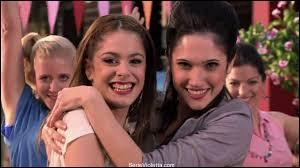 Quelle est la chanson dans laquelle Violetta et Francesca ne chantent que toutes les deux ?