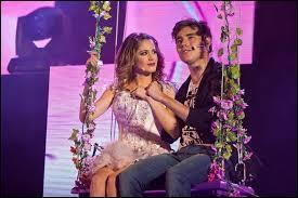 Quelle est la chanson que León et Violetta chantent tous les deux ? (Indice : le clip est souvent illustré avec une balançoire avec pleines de fleurs)