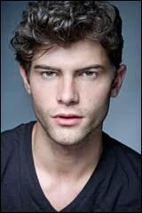 Comment cet acteur s'appelle-t-il ?