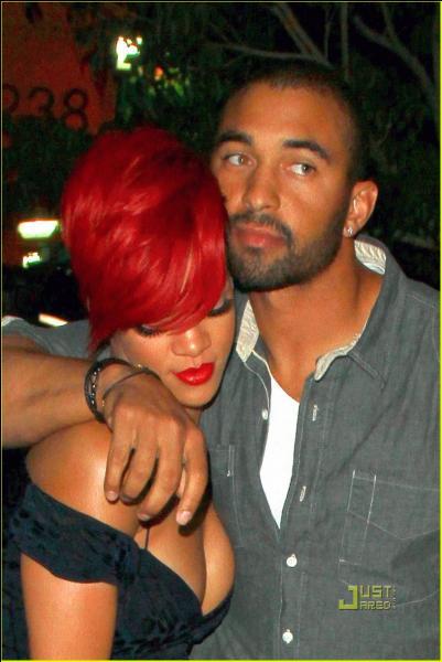 Qui est cet homme à côté de Rihanna avec qui elle est sortie ?