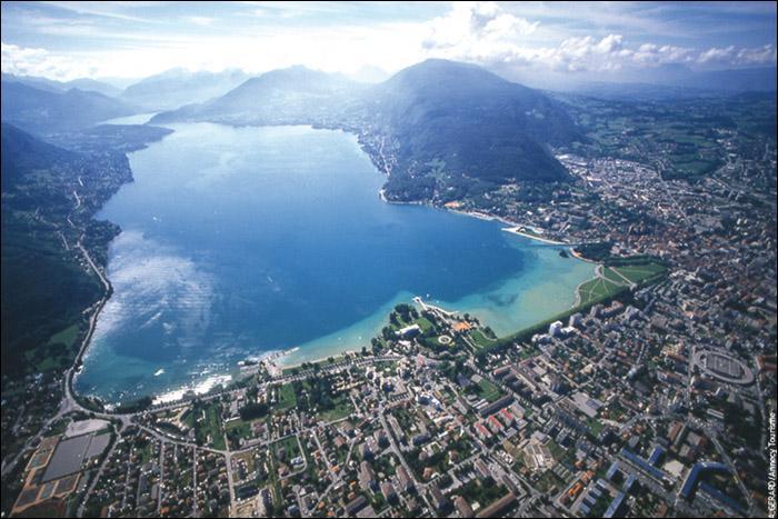 La Venise des Alpes . Académie de Grenoble. Candidate officielle pour les Jeux olympiques d'hiver 2018 !