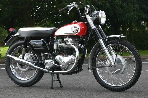 Qelle est cette marque de moto ?