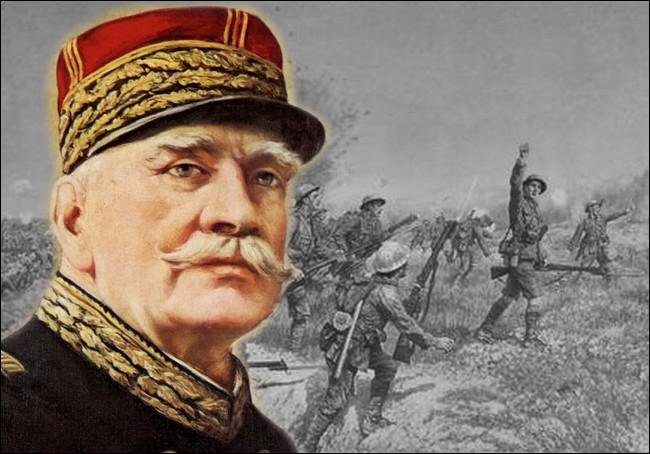Nommé commandant en chef des armées françaises le 2 décembre 1915, Ce général voit son prestige atteint après la bataille de Verdun, qu'on lui reproche de ne pas avoir prévue...