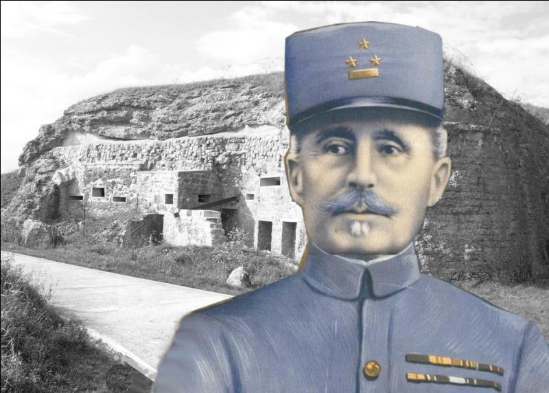 Le 20 mai 1916, il succède à Pétain dans la charge de défendre Verdun au commandement de la IIe armée...