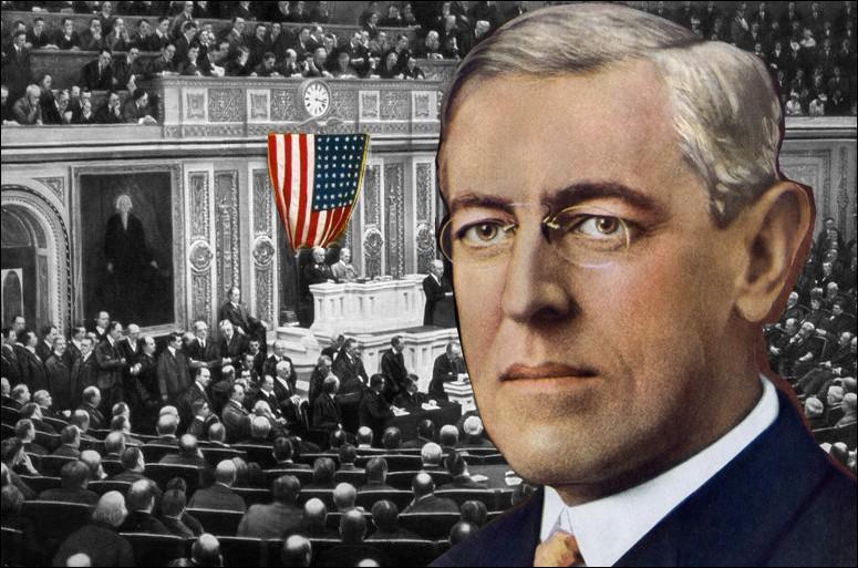 Président en exercice des Etats-Unis, Thomas Woodrow Wilson engagera son pays dans le conflit après son discours au Congrès du...
