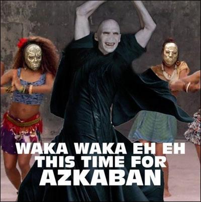 Rogue n'est pas le seul à se tourner vers la musique. Lord Voldemort, las de la guerre et de la conquête du pouvoir, a choisi une nouvelle carrière. L'image le montre dans un clip que vous connaissez sans doute, c'est :
