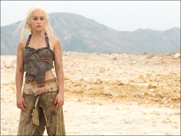 Quel événement a t-il poussé Daenerys Targaryen à l'exil vers Essos ?