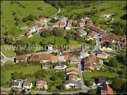 Situé du la Voie Sacrée qui Relie Verdun à Bar-le-Duc, le village lorraine d'Erize-la-Brûlée se situe dans le département ...