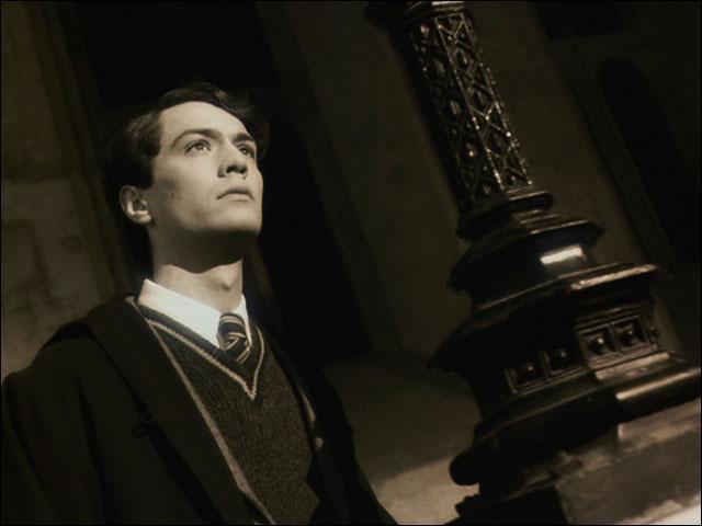 Qui était le directeur de Poudlard lorsque Tom Jedusor étudiait à l'école des sorciers ?
