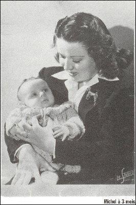 Née le 7 avril 1919, elle épousa Fernand et fut la maman d'un chanteur prénommé Michel, quel est le prénom de cette femme connue ?