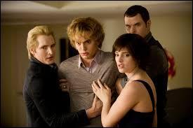 Pourquoi Jasper attaque-t-il Bella ?