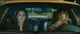 Quelle voiture Alice et Bella volent-elles à l'aéroport en Italie ?