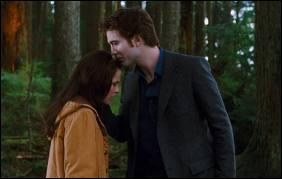 Quelle promesse demande Edward à Bella lorsqu'il s'en va ?