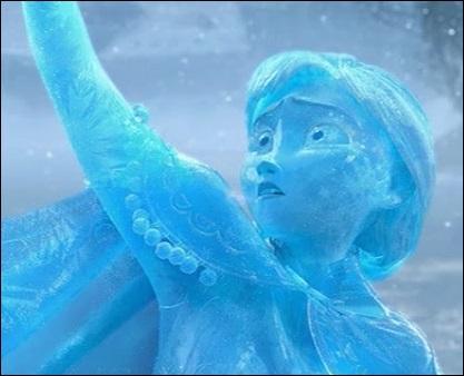 Pourquoi Anna se change-t-elle finalement en statue de glace ?