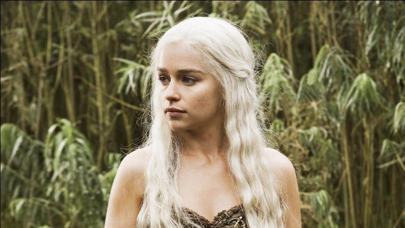 Daenerys finit par tomber enceinte du Khal. Comment compte-t-elle appeler leur fils ?