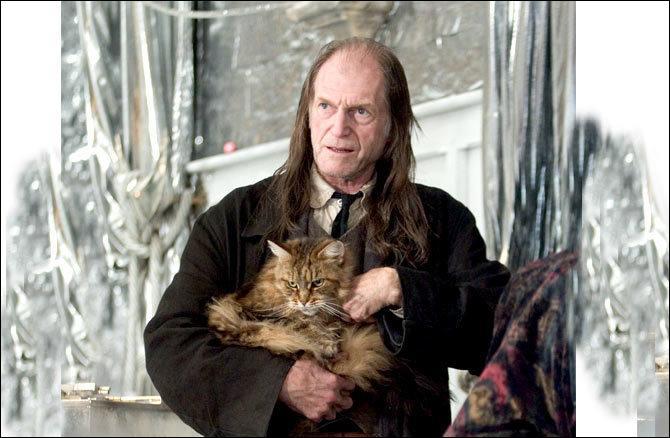 Il joue Argus Rusard dans la saga Harry Potter, mais qui est-ce dans Game of Thrones ?