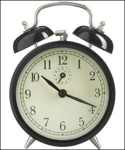 """""""Que hora son ? """", """"What time is it ? """", """"Cât e ceasul ? """" : d'habitude, lorsque vous parvenez à poser cette question à l'étranger, vous arrivez à peu près à comprendre la réponse : 10h20. Eh bien, en Autriche, lorsque vous demanderez """"Wie spät ist es ? """", ils vous diront :"""