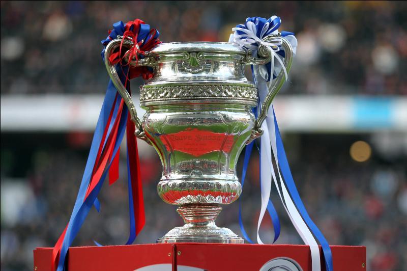 Quel est le seul club de football au monde à avoir participé à 12 finales de coupe nationales et à avoir gagné les 12 fois ?