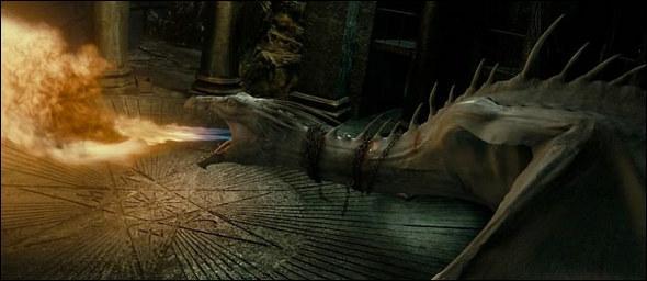 Quelle est cette espèce de dragons gardant le secteur de Gringotts où se trouve la chambre forte de Bellatrix Lestrange dans 'Harry Potter et les Reliques de la mort' (7, 2) ?