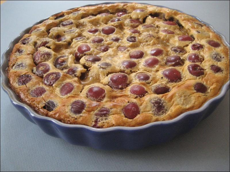 Traditionnellement, quels fruits utilise-t-on pour réaliser un clafoutis ?