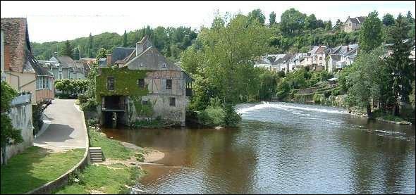 Quelle rivière traverse l'ancienne cité limousine d'Argentomagus ?