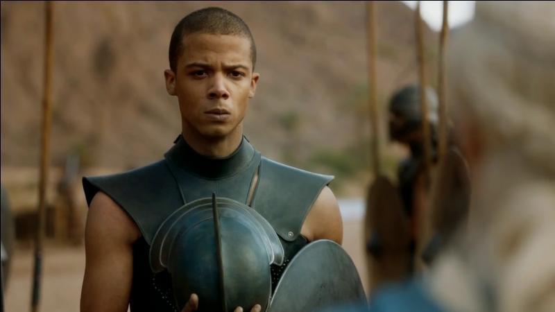 Daenerys Targaryen fait la connaissance du chef élu de son armée d'Immaculés. Comment s'appelle-t-il ?