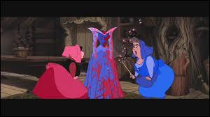 Où le caractère affirmé de personnes aux pouvoirs magiques finit par teindre et reteindre une robe de bal