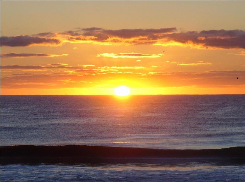 C'est grâce au soleil levant que tu vas trouver mon nom !