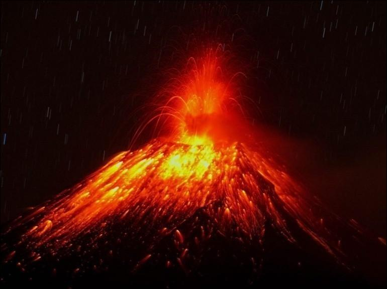 Combien d'années un volcan est considéré actif à partir de sa dernière éruption ?