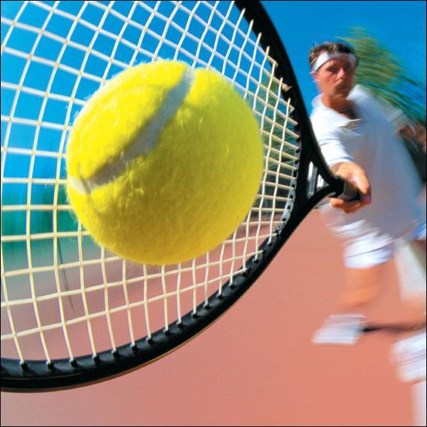 Lequel de ces tennismen est droitier ?